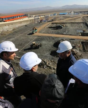 بازدید دکتر پورمند از پروژه مجتمع فروسیلیس غرب پارس