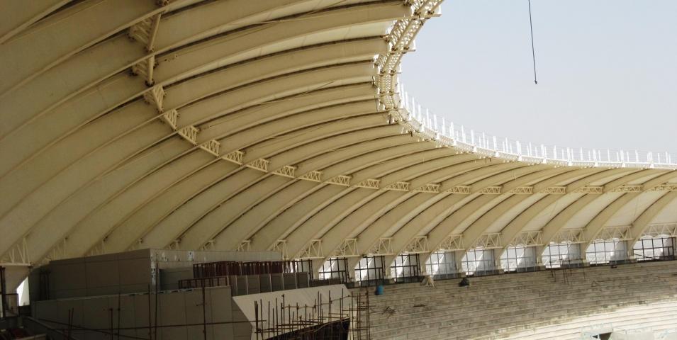 ساخت و نصب اسکلت فلزی سازه ورزشگاه فوتبال شیراز